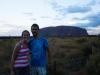 Samen bij de zonsondergang bij Uluru