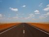 De snelweg door de Outback