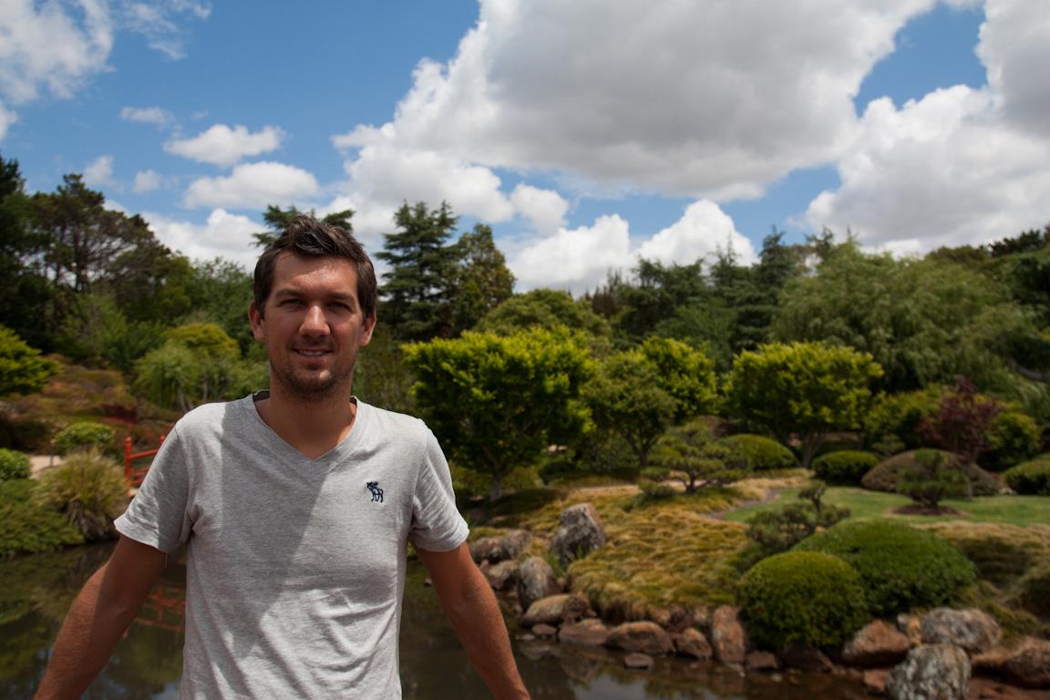 Sebastiaan in de Japanse tuin